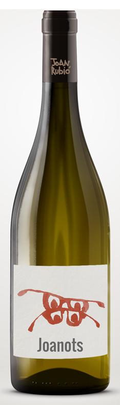 Celler Tiques, de Santa Margarida i els Monjos on minimitzem les labors del sòl i es deixa coberta vegetal espontània, i obtenim els vins per escorregut. Vinifiquem sense premsar, lentament.